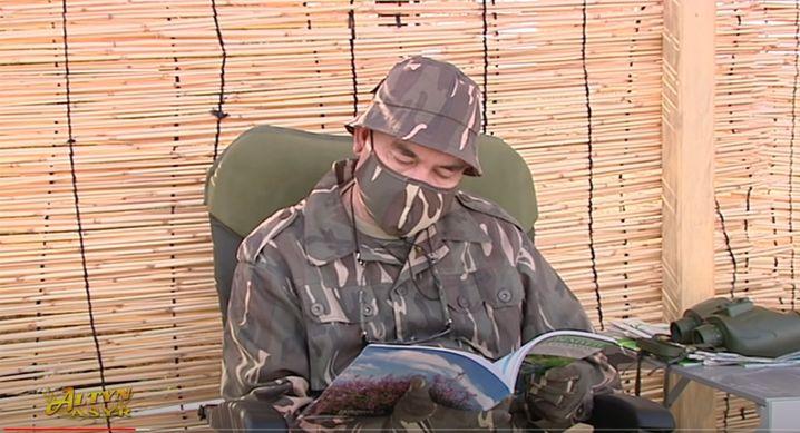 Turkmenistans Präsident Berdymuhamedow, jetzt auch mit Maske