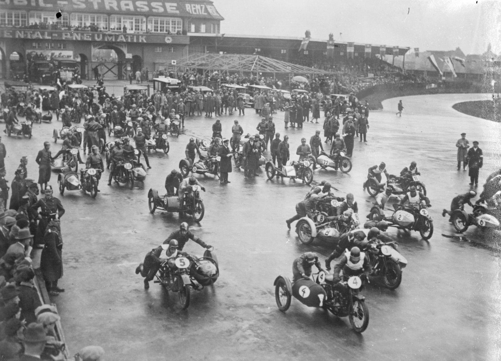 International motorcycle meet in Berlin The start of the international motorcycle race held at the