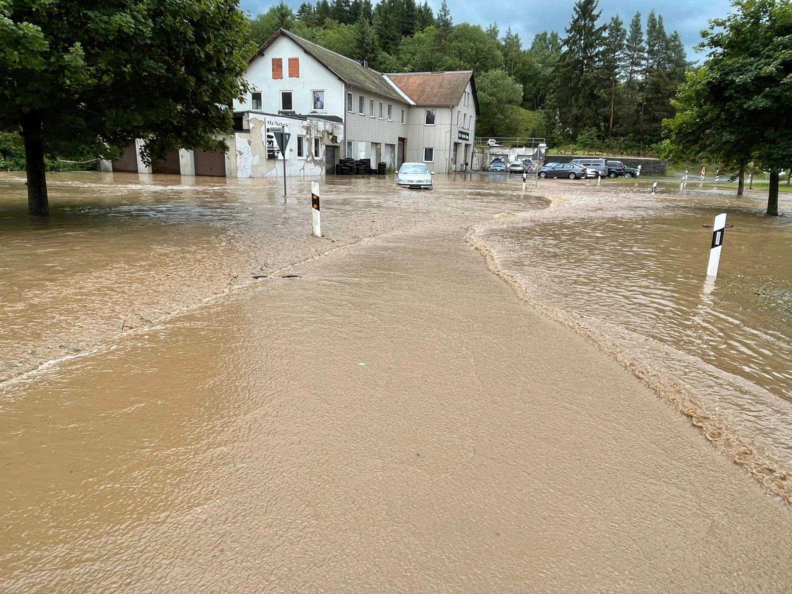 ID 339 Land unter in Selbitz. Katastrophale Zustände in der bayrischen Gemeinde. So ein Hochwasser haben die Menschen h