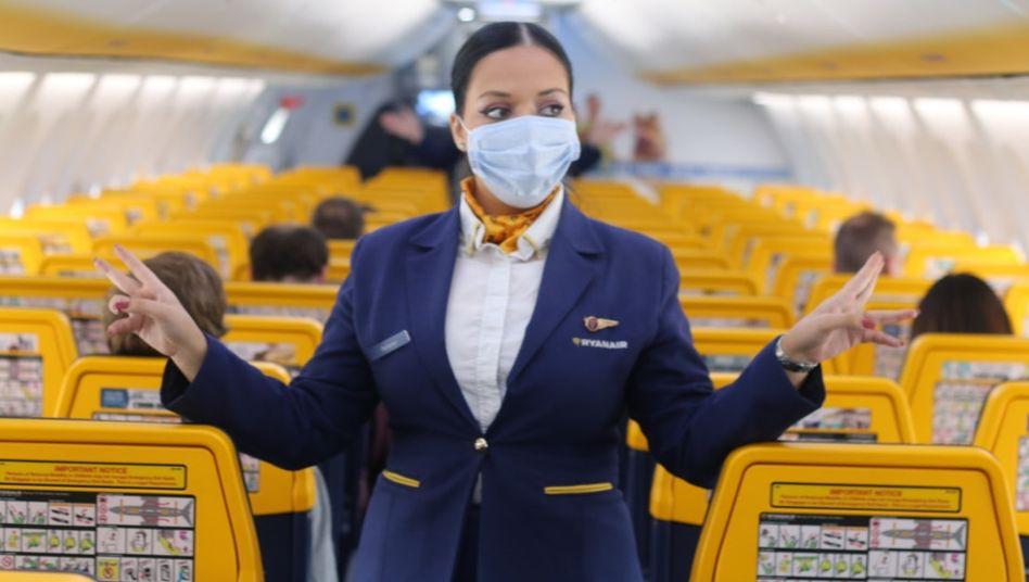 Ryanair-Flugbegleiterin