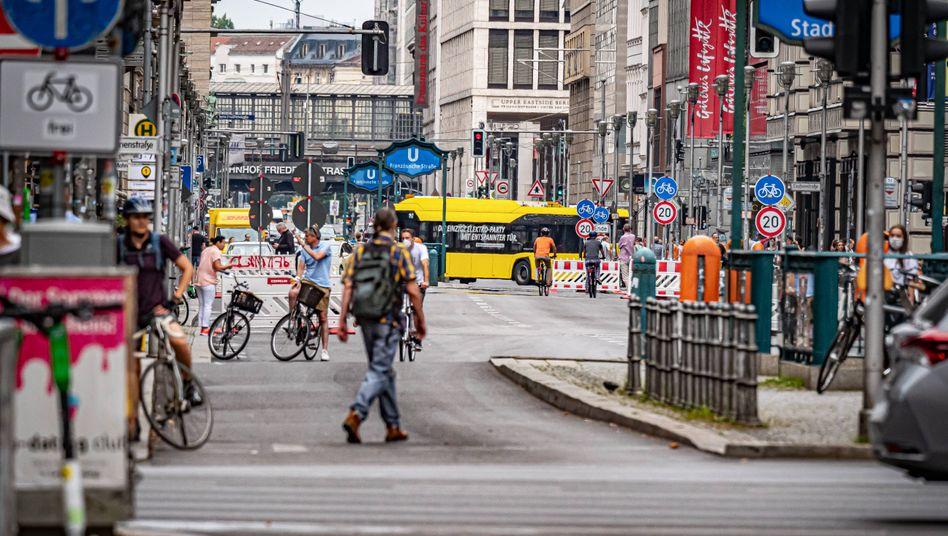 Seit dem 21. August ist ein Teil der Friedrichstraße für den allgemeinen Kraftfahrzeugverkehr gesperrt