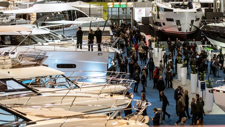 Mein Haus, mein Boot: Zur Schau gestellter Reichtum auf der Messe Boot in Düsseldorf