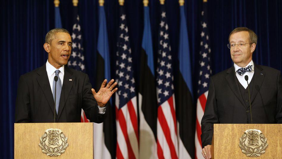 US-Präsident Obama, Staatschef Toomas Hendrik Ilves in Tallinn: Mehr Soldaten in Ämari