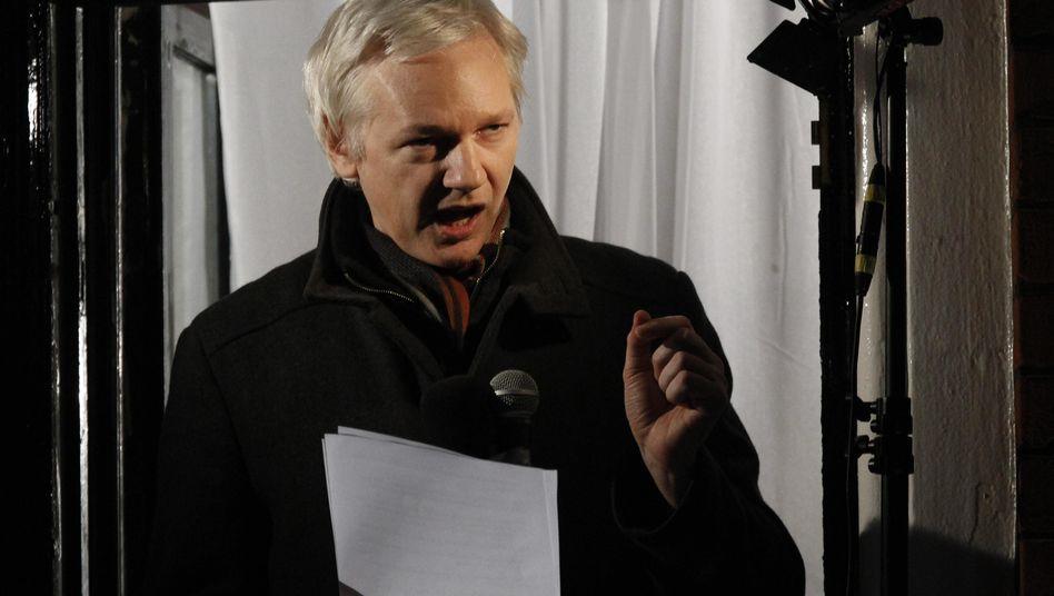 """WikiLeaks-Gründer Assange (im Dezember 2012): """"Keinen Erklärungen trauen"""""""