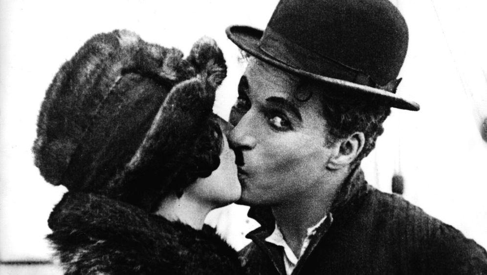 Charlie Chaplin und die Frauen: Heiße Küsse, erregtes FBI