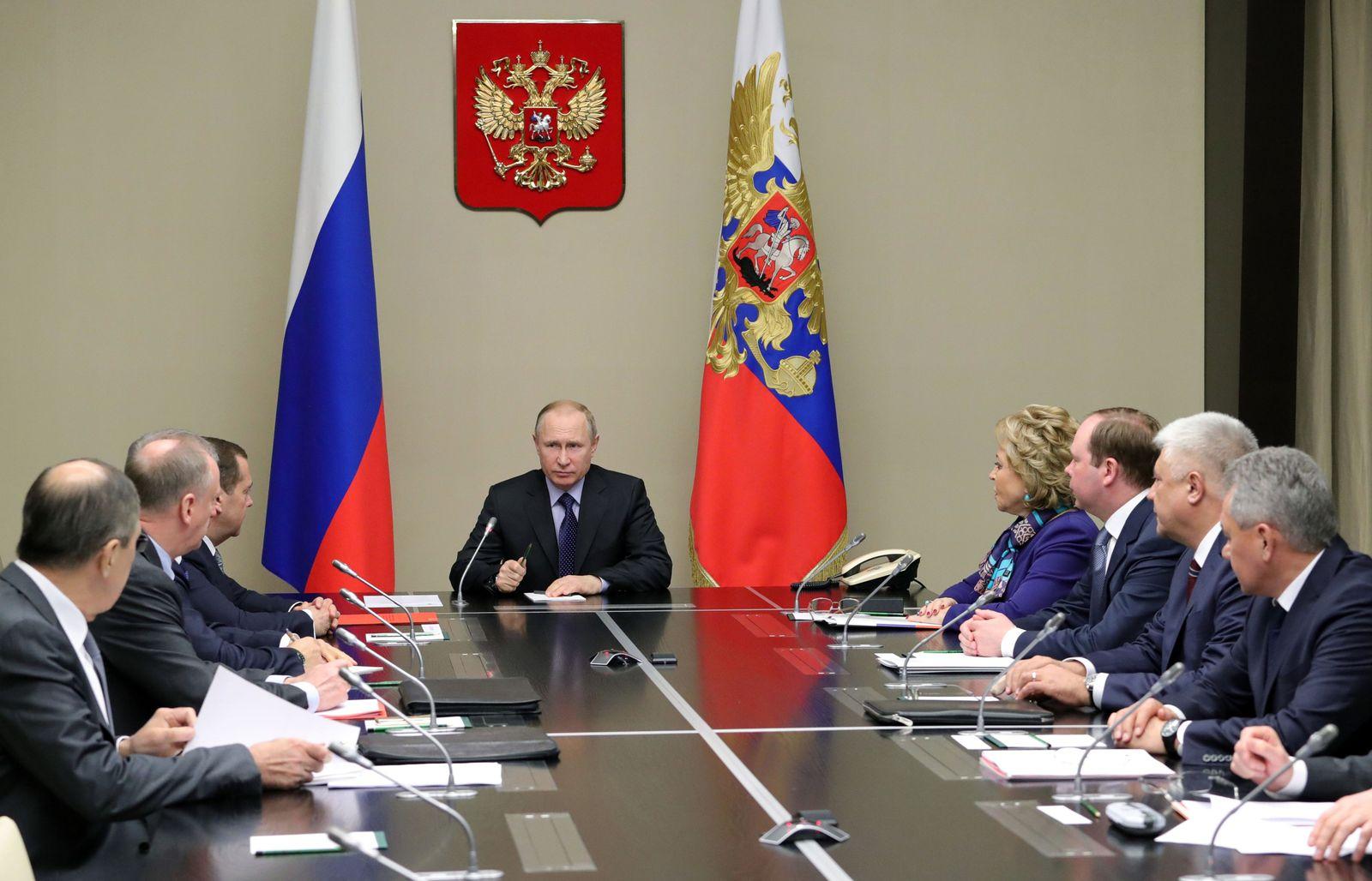 Russian President Putin chairs Russian Security Council meeting, Novo-Ogaryovo, Russian Federation - 19 Apr 2018