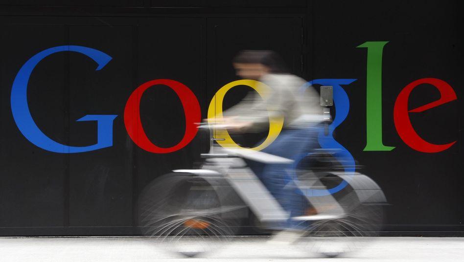 Google-Logo in Zürich: Ein deutscher Kläger will die Suchmaschine zum Dauer-Filter zwingen