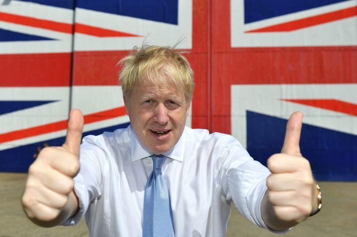 Boris Johnson im Wahlkampfmodus: Daumen hoch.