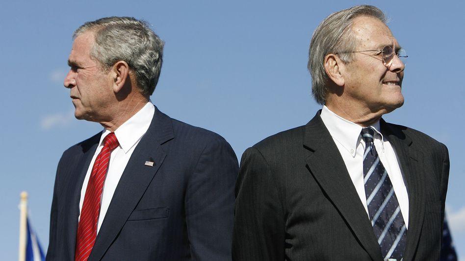 Präsident Bush, Verteidigungsminister Rumsfeld (2006):