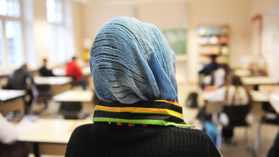 Eine Schule in NRW: Ein grundsätzliches Kopftuchverbot für Lehrerinnen an öffentlichen Schulen gibt es nicht mehr