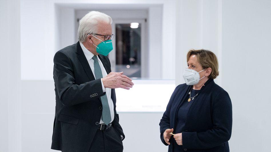 Grün-schwarze Koalitionäre Kretschmann und Eisenmann