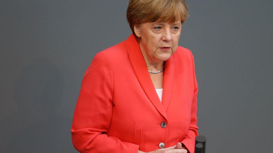 Kanzlerin Angela Merkel: Neue Hilfen für Griechenland