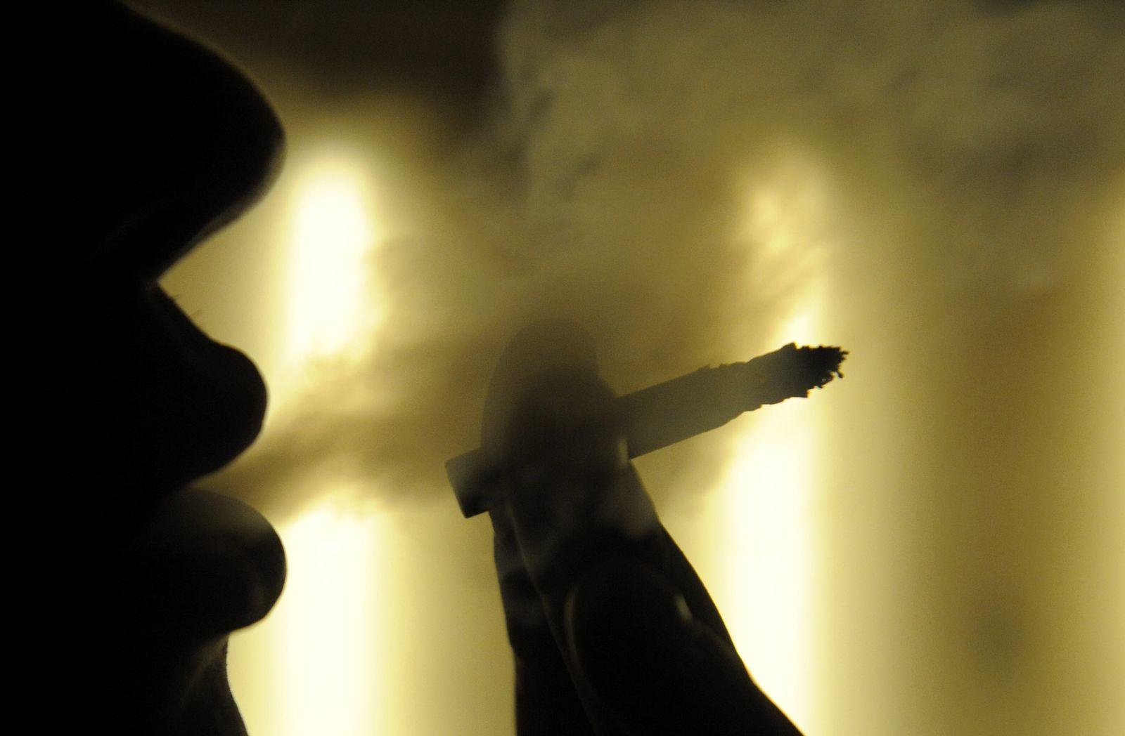 NICHT VERWENDEN SYMBOLBILD Rauchen