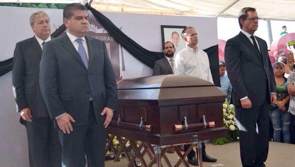 Trauerfeier für den ermordeten Politiker Fernando Puron Johnston (Archivbild)
