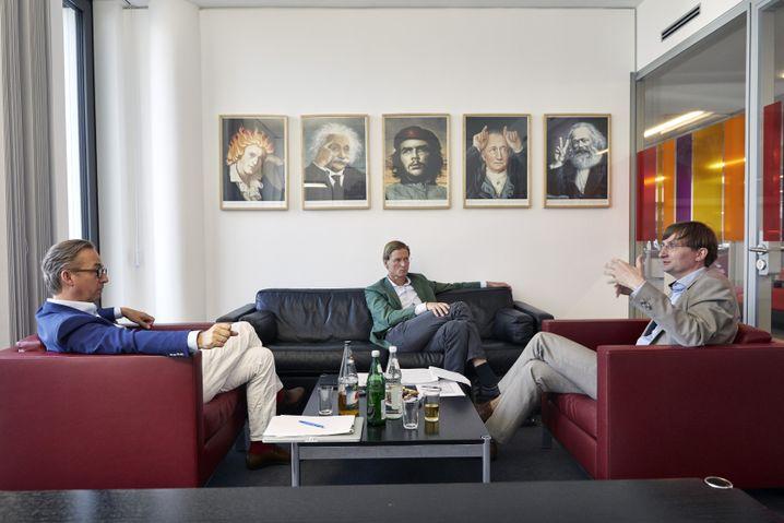 Neitzel im Gespräch mit den Redakteuren Jan Fleischhauer und Klaus Wiegrefe