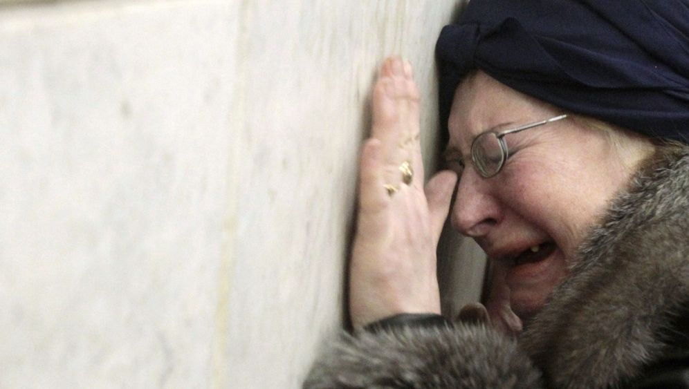 Photo Gallery: Mourning in Moscow