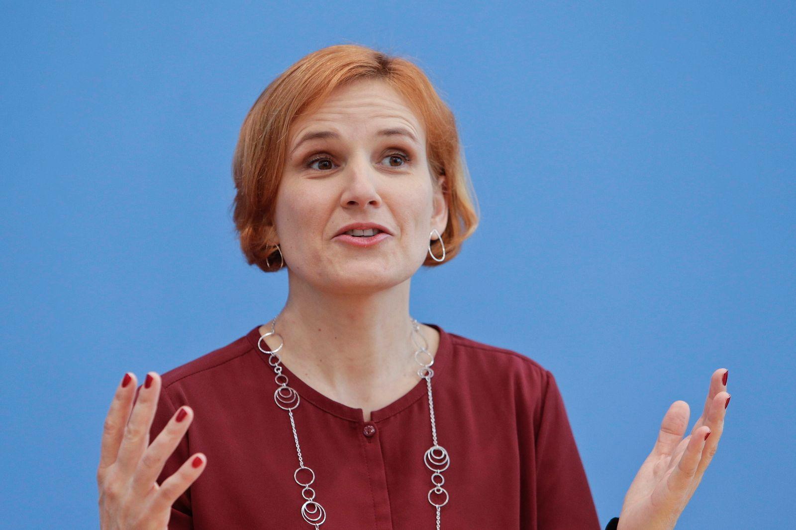 24.02.2020, Berlin, Deutschland - Pressekonferenz der Partei DIE LINKE zu den Auswirkungen der Buergerschaftswahl in Ham