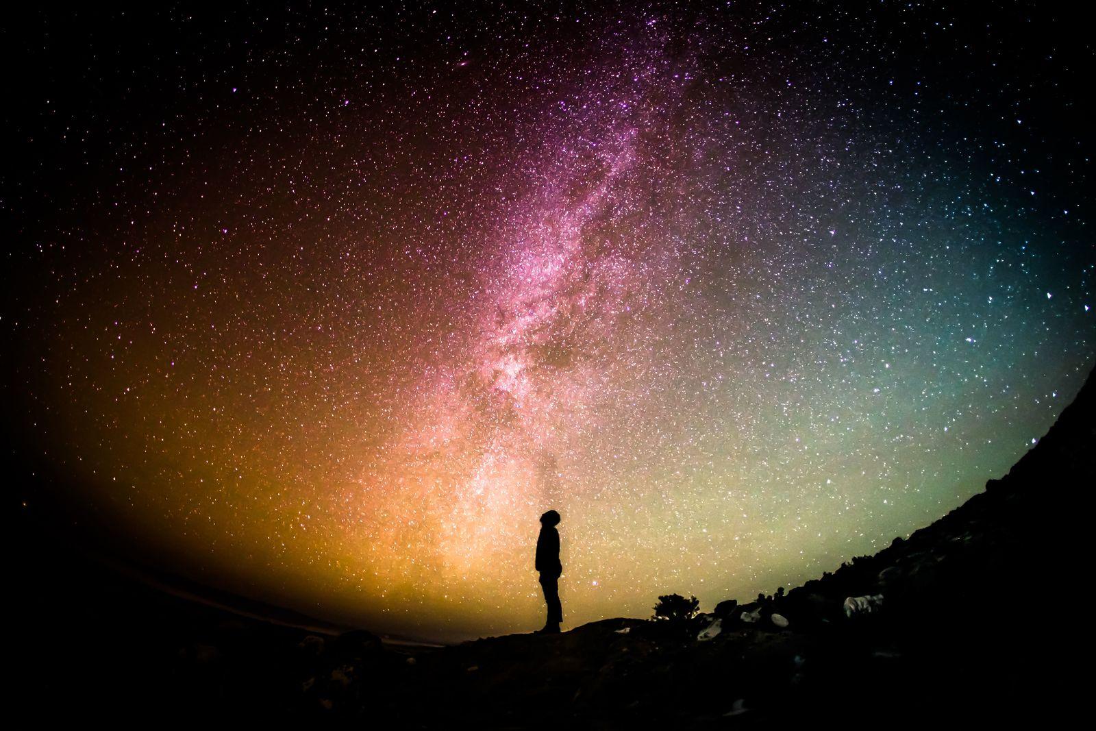 Die ersten Sterne im Kosmos entstanden früher als bisher gedacht