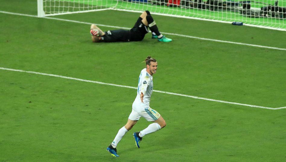 Gareth Bale (vorne) und Loris Karius