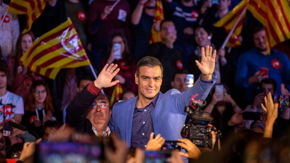 Pedro Sanchez vor Anhängern am 8. November 2019: Keine Mehrheit, nirgends
