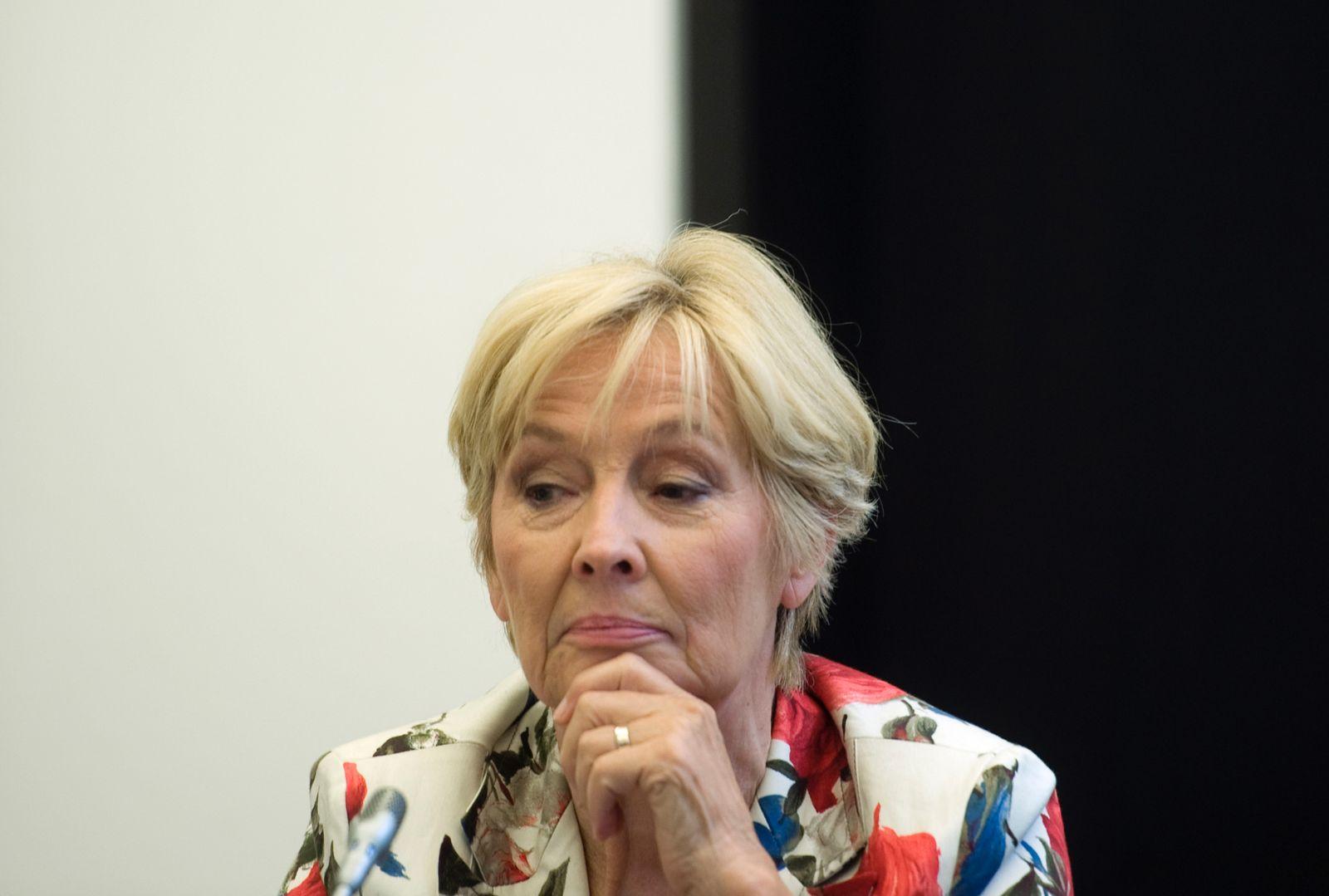NICHT VERWENDEN Christine Bergmann