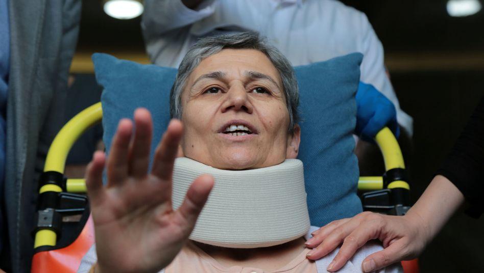 HDP-Abgeordnete Leyla Güven: Mehrere kurdische Abgeordnete und Gefangene verweigerten für Öcalan das Essen.