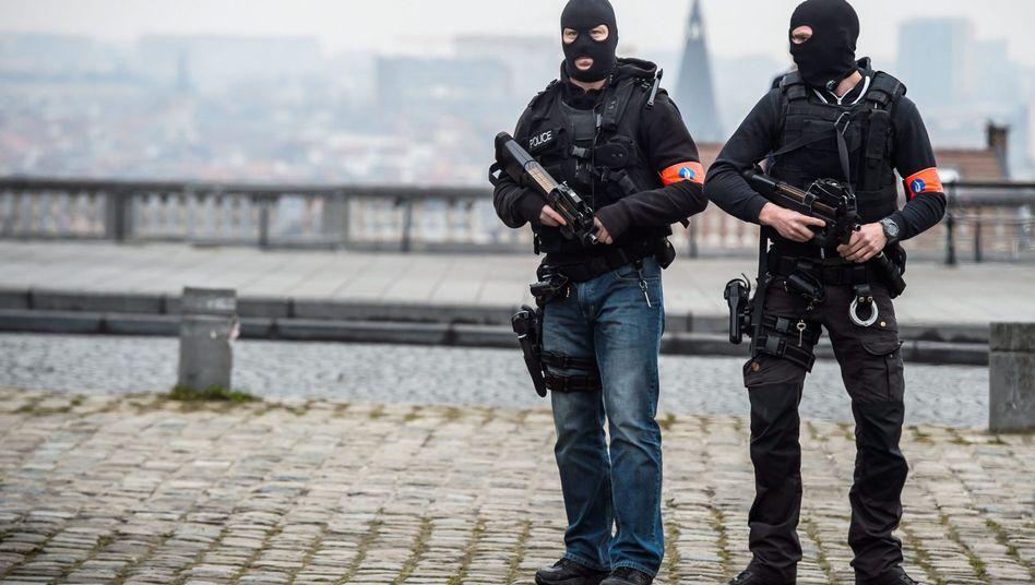 Einsatzkräfte in Brüssel