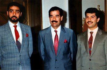 Saddam Hussein mit seinen beiden Söhnen Udai und Kussei