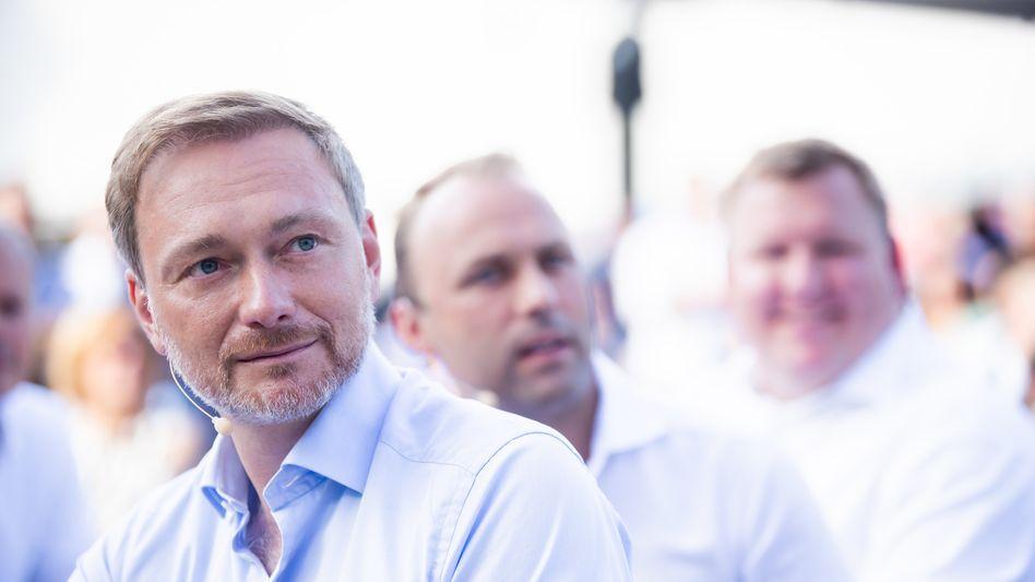 Christian Lindner will sich als Finanzminister für die Einhaltung der Schuldenbremse starkmachen (Archivbild)