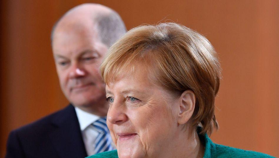 Olaf Scholz, Angela Merkel