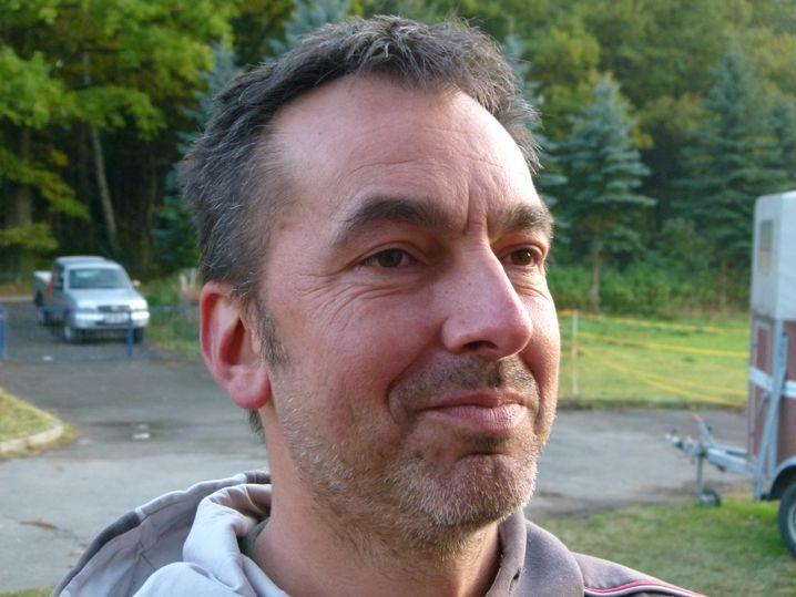 Filmemacher Jürgen Wolf, 45, hat mitgezählt: 41 Tage seines Lebens verbrachte er in Regionalzügen