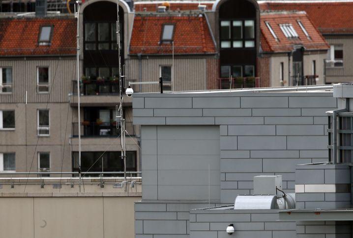 US-Botschaft in Berlin: Merkwürdige Dachaufbauten mit Sichtblenden