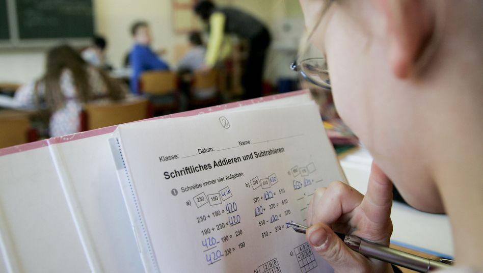 Grundschülerin (Archiv): Hier können Lehrer noch in Ruhe arbeiten