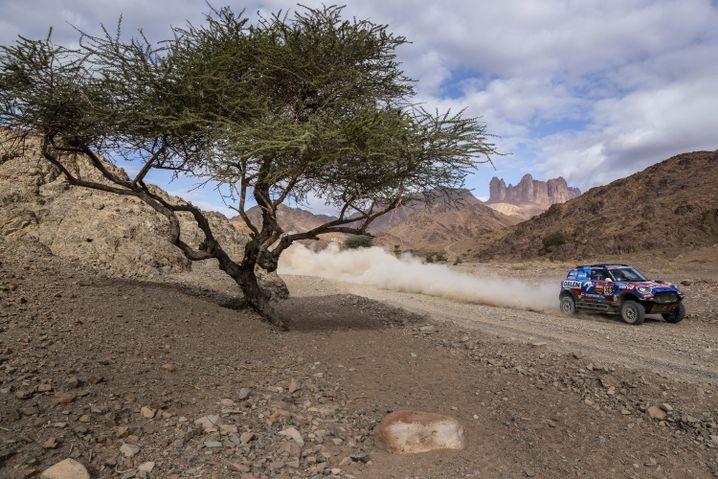 Vierte Etappe der Dakar: Der polnische Fahrer Jakub Przygonski rast durch die Wüste