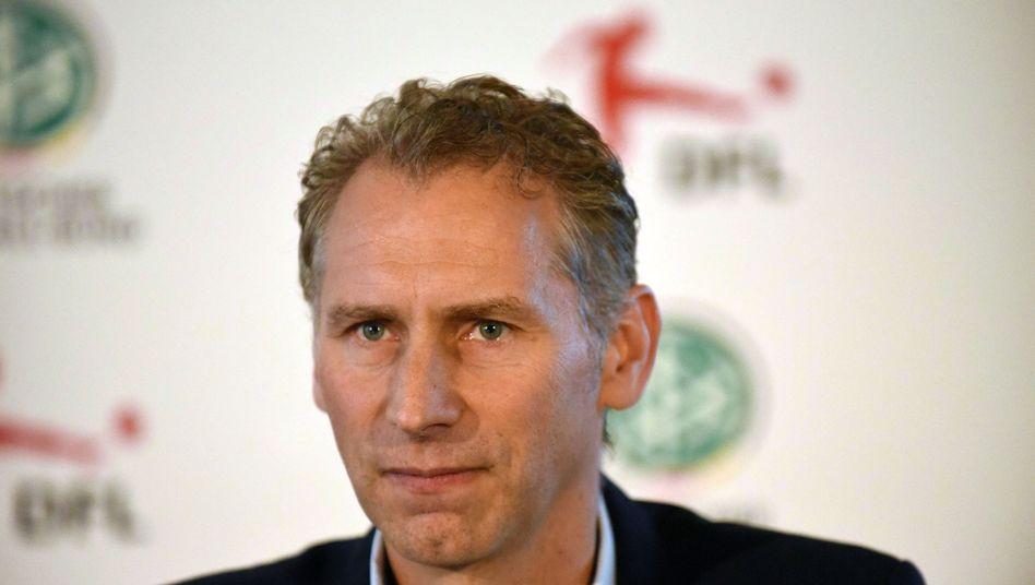 DFL-Direktor Ansgar Schwenken bestätigte, dass es kein früheres Ende der Transferphase in Deutschland geben wird.