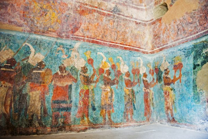 Maya-Blau in der Ruinenstadt Bonampak: Eine Mischung aus Indigo und Palygorskit