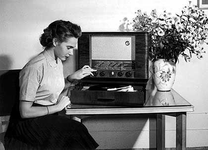"""Radiohören in den Fünfzigern: """"Die Medien spiegeln die junge Kultur nicht mehr wider"""""""