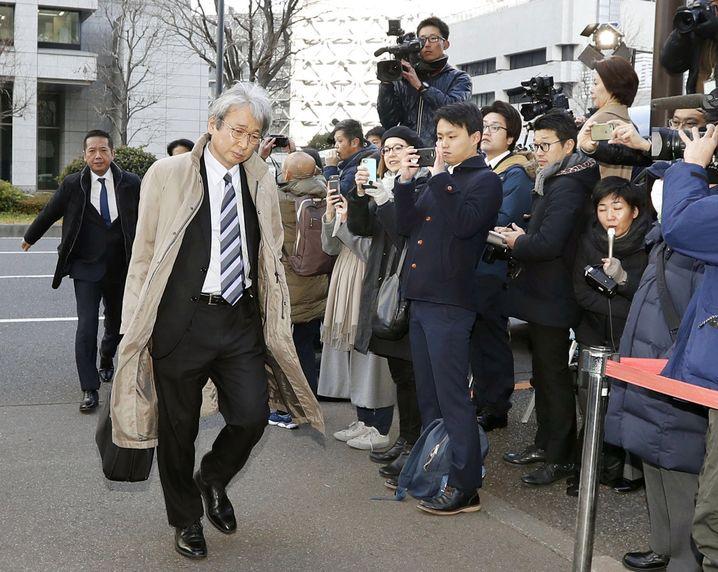 Ghosn-Anwalt Motonari Otsuru auf dem Weg zum Gericht