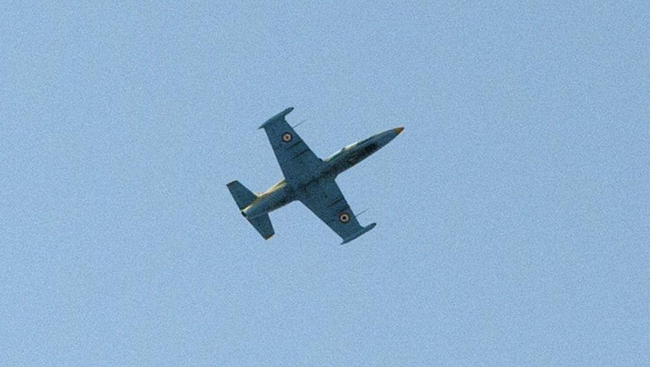 Syrisches Kampfflugzeug: Erstmals schießt Libanon zurück