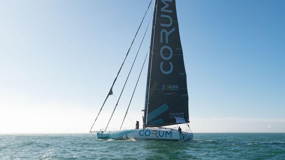 Das Boot von Nicolas Troussel – hier noch unversehrt im Starthafen vor dem Rennen