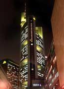 Soll morgen geschlossen bleiben: das Hochhaus der Commerzbank in Frankfurt
