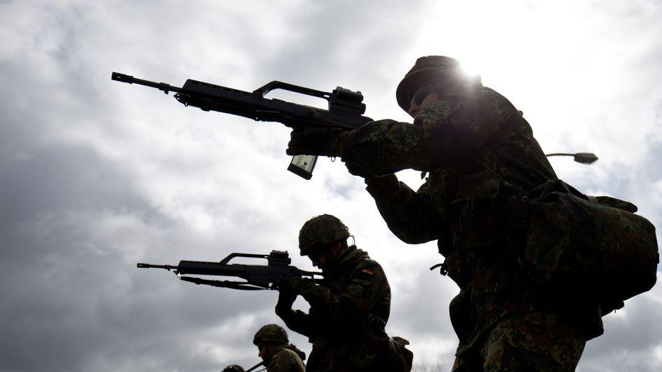 """Soldaten der Bundeswehr: """"Ziele bis 300 m sicher und präzise zu bekämpfen"""""""