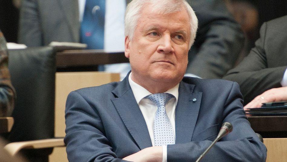 """CSU-Chef Seehofer (Archivbild): """"Meine Toleranz ist nicht unendlich"""""""