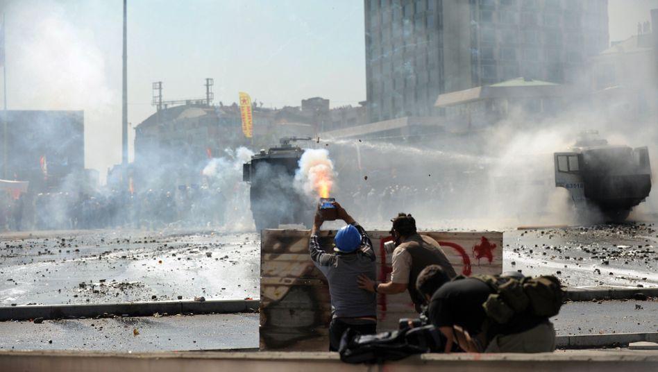 Eskalationin Istanbul: Erdoganverteidigt Polizeieinsatz gegen Demonstranten