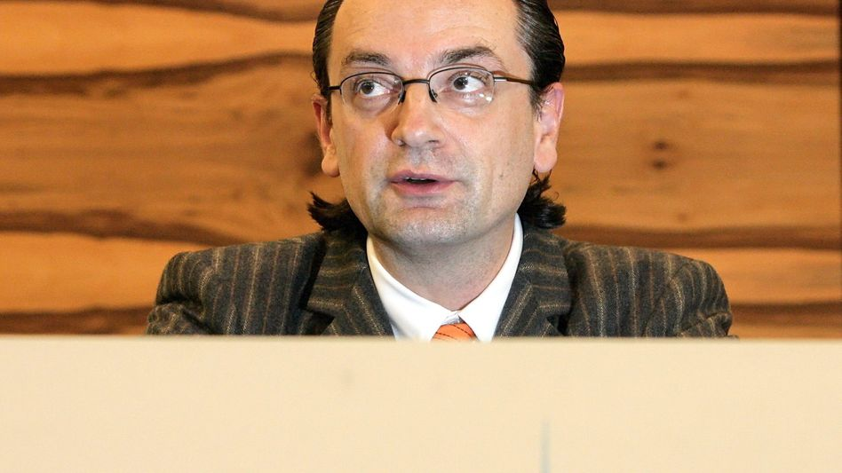 Bankchef Nonnenmacher: Massive Verluste auch mit Omega 52?