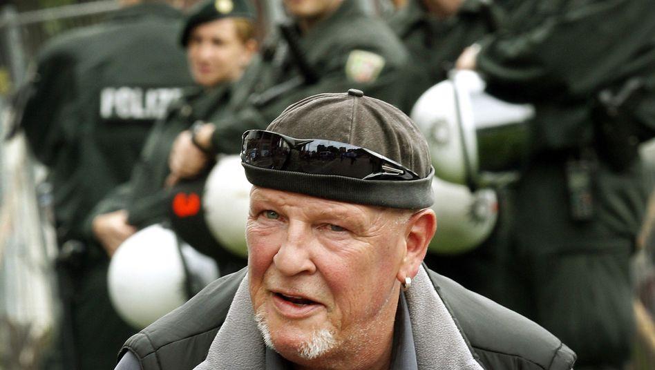 """Siegfried Borchard alias """"SS Siggi"""": Mehrfach vorbestrafter Rechtsextremist"""