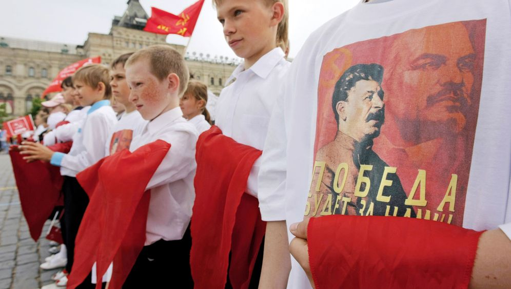 Photo Gallery: Stalin's Mixed Legacy