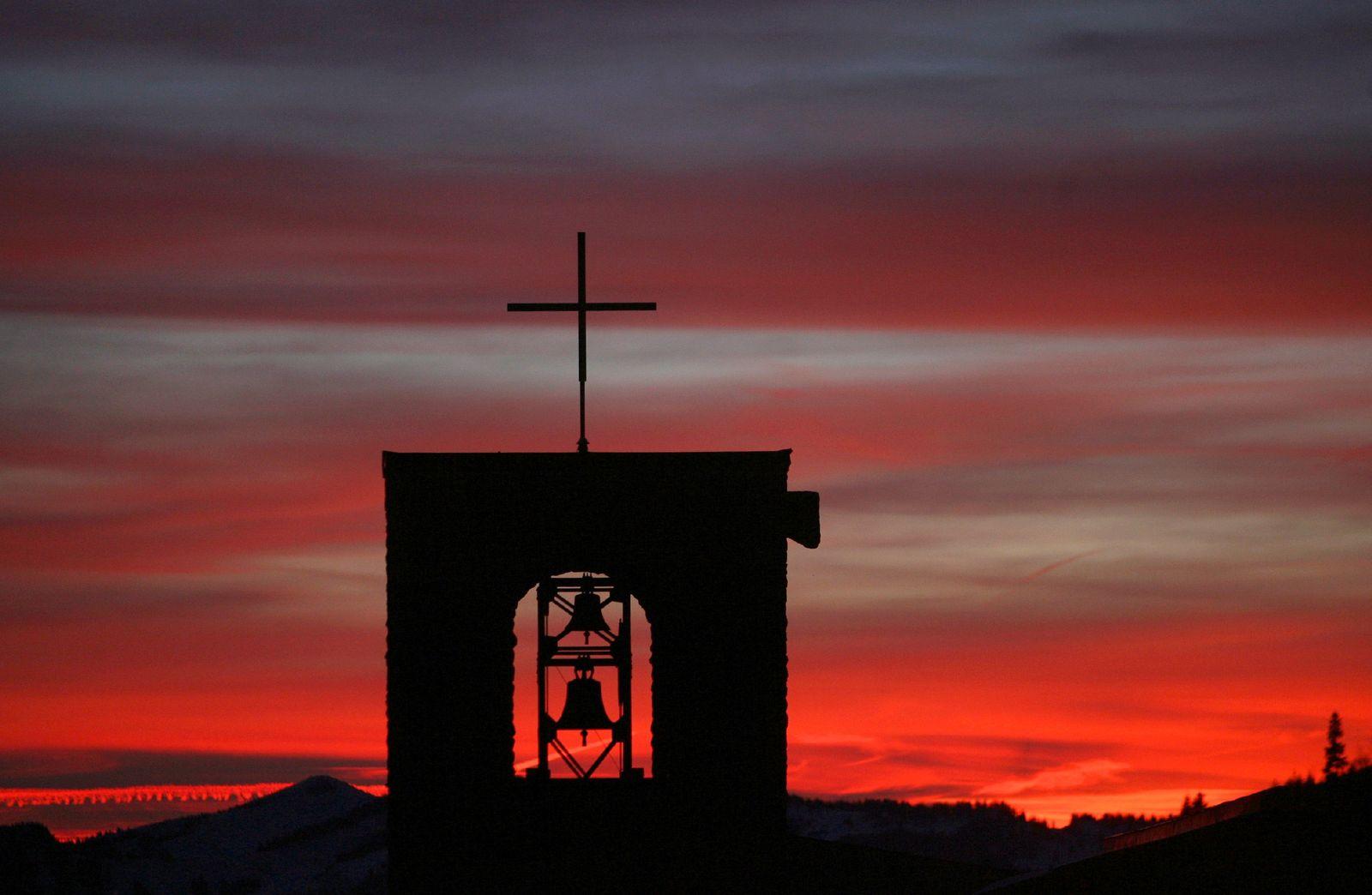Kirche/ Kreuz