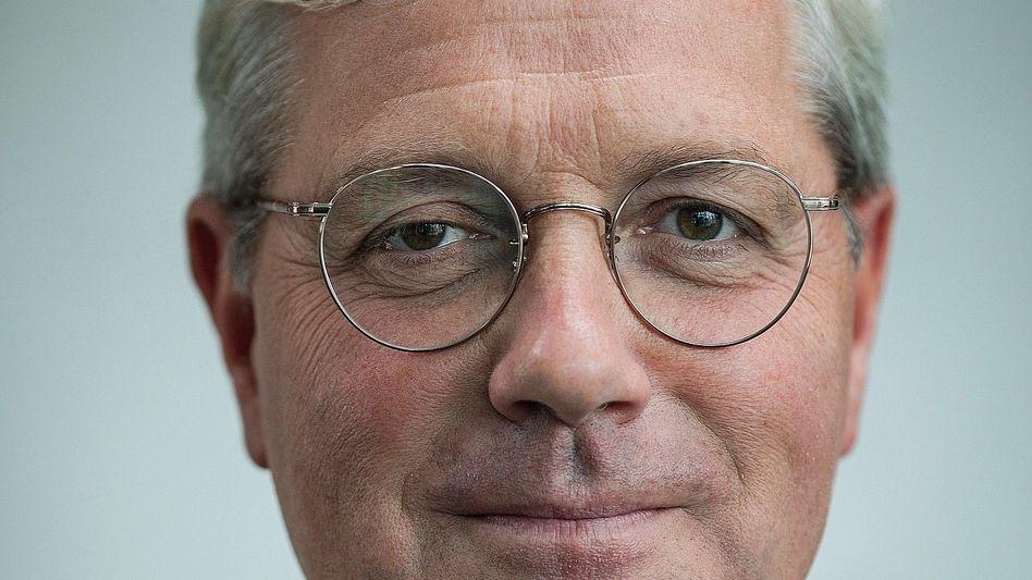 """Merkel-Kritiker Röttgen, 53: """"Wir verlieren derzeit dramatisch"""""""