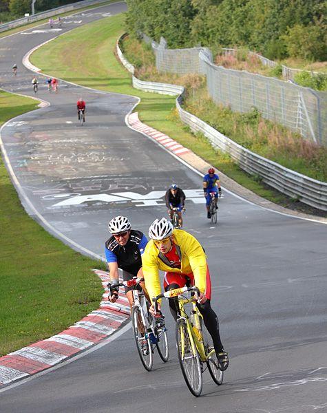 """Fahrrad-Rekord: Seit 2003 findet auf der Nordschleife der Wettbewerb """"Rad & Run am Ring"""" statt. Die Bestzeit im vergangenen Jahr lag bei 38:03 Minuten"""